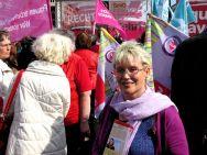 Gabriela Heinrich beim Equal Pay Day vor dem Brandenburger Tor