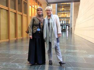 Dhekra Toufahi und Gabriela Heinrich
