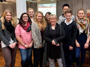 Fraktion-vor-Ort Entwicklungszusammenarbeit mitgestalten Schülerinnen und Gabriela Heinrich