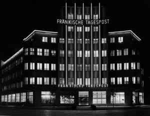 Karl-Bröger-Haus Modell_Haus_Nachtaufnahme 1931