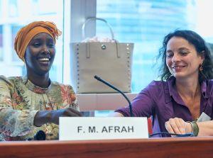 Sybille Fezer von Medica Mondiale und Fatuma Musa Afrah